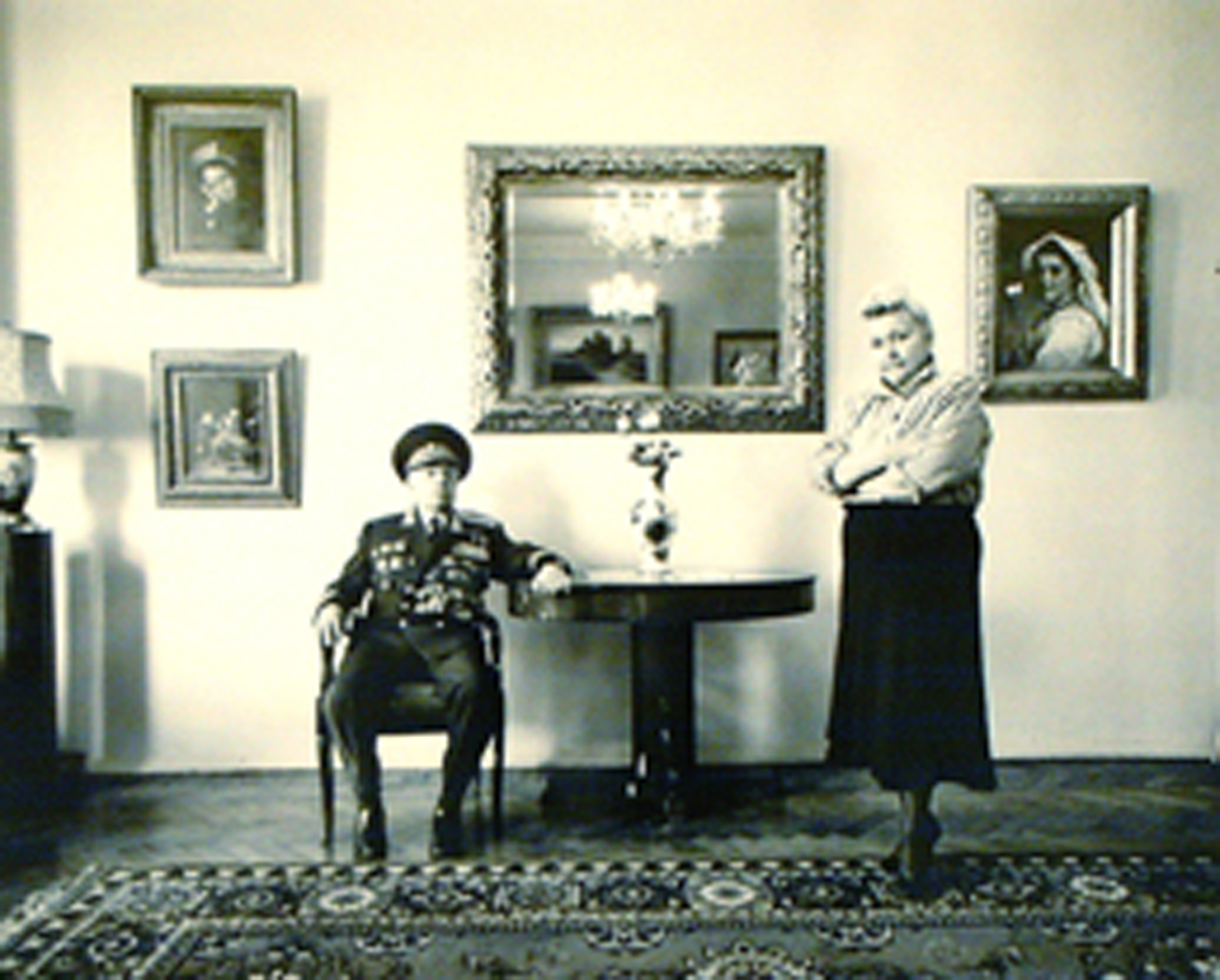 General David Abramovich Dragunsky Head of the Anti-Zionist Committee and His Wife (1990), Moscow Fiberbase gelatin silver print (32 x 39) by Frederic Brenner